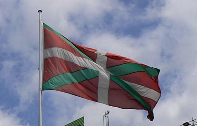 Quinze communes basques attaquent les arr t s pr fectoraux for Porte quinze bordeaux