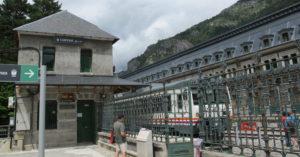 gare internationale Canfranc départ train espagnol juillet 2014 197