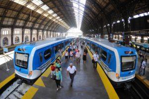 CRRC Qingdao Sifang Ferrocarril_Mitre_EMUs_at_Retiro