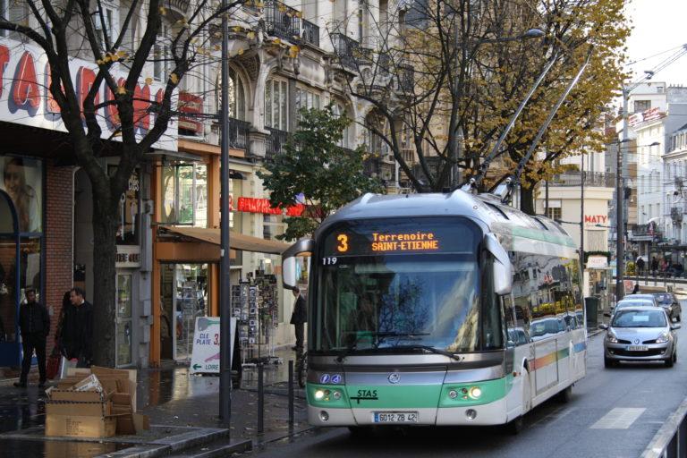 le trolleybus est le bus lectrique de demain ville rail et transports. Black Bedroom Furniture Sets. Home Design Ideas