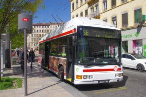 Midi-trolleybus de la ligne S6 de Lyon