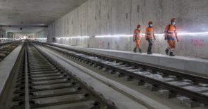 Pose des premiers rails du Grand Paris Express