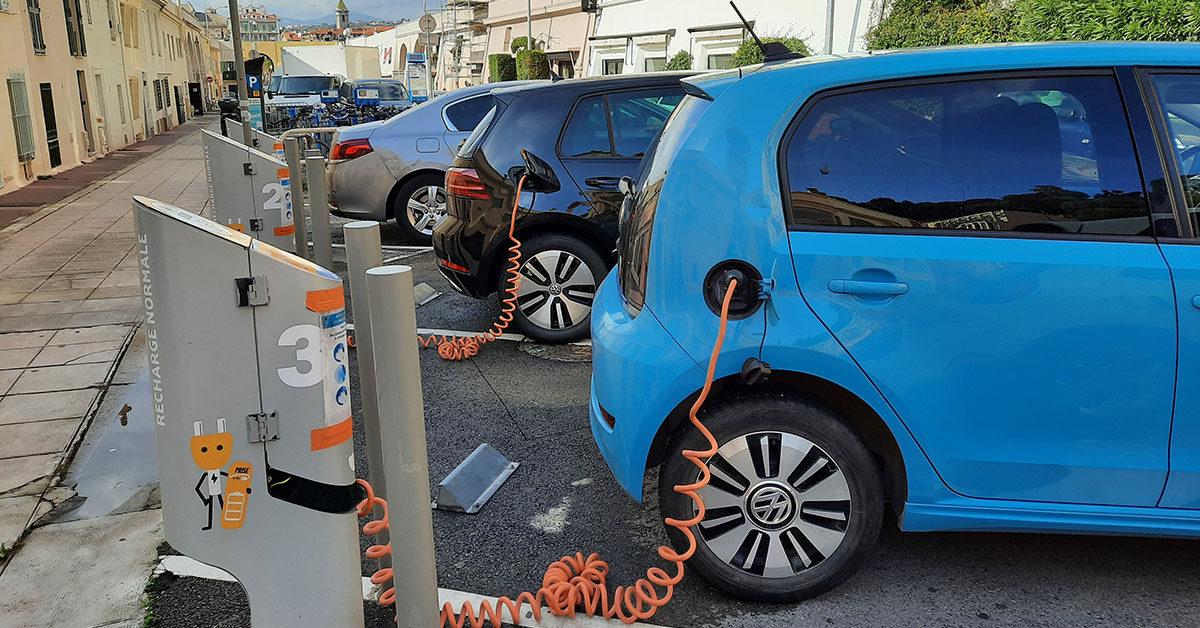 Nice voiture electrique